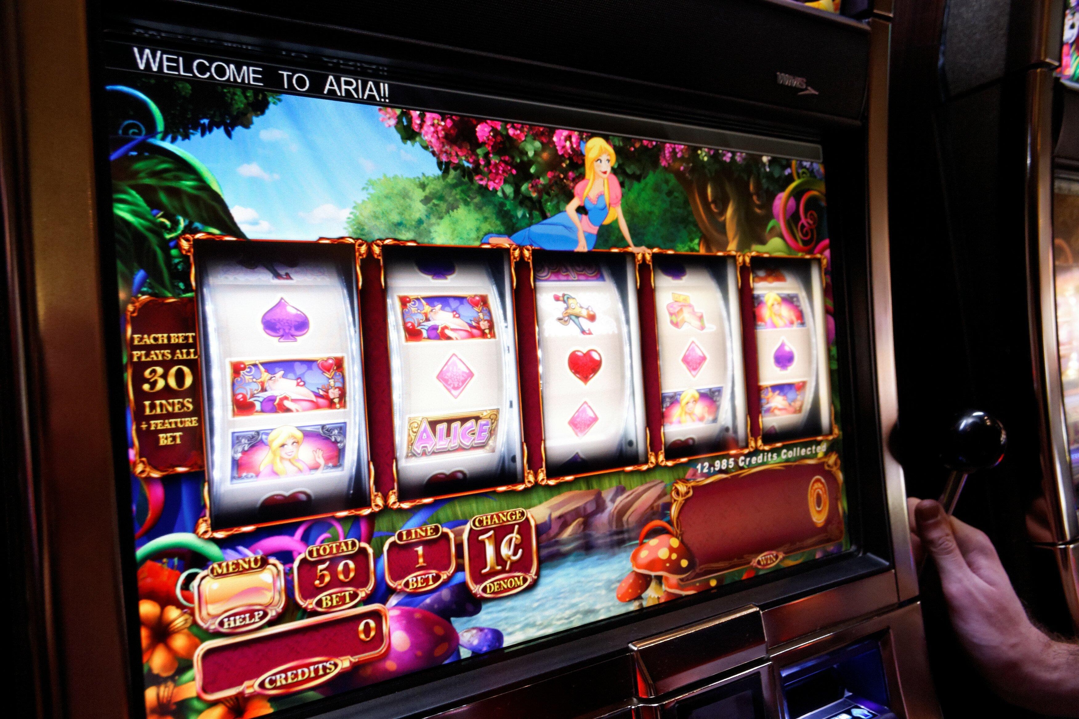 Slot machine 100 line